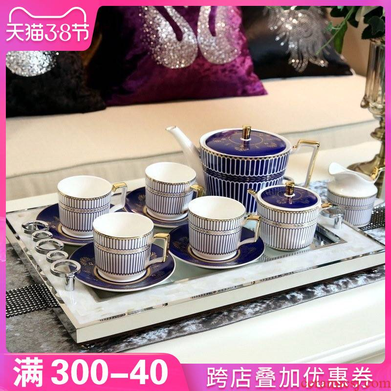 New classical light key-2 luxury sitting room tea table is placed between example ceramic coffee set suit European household afternoon tea tea set