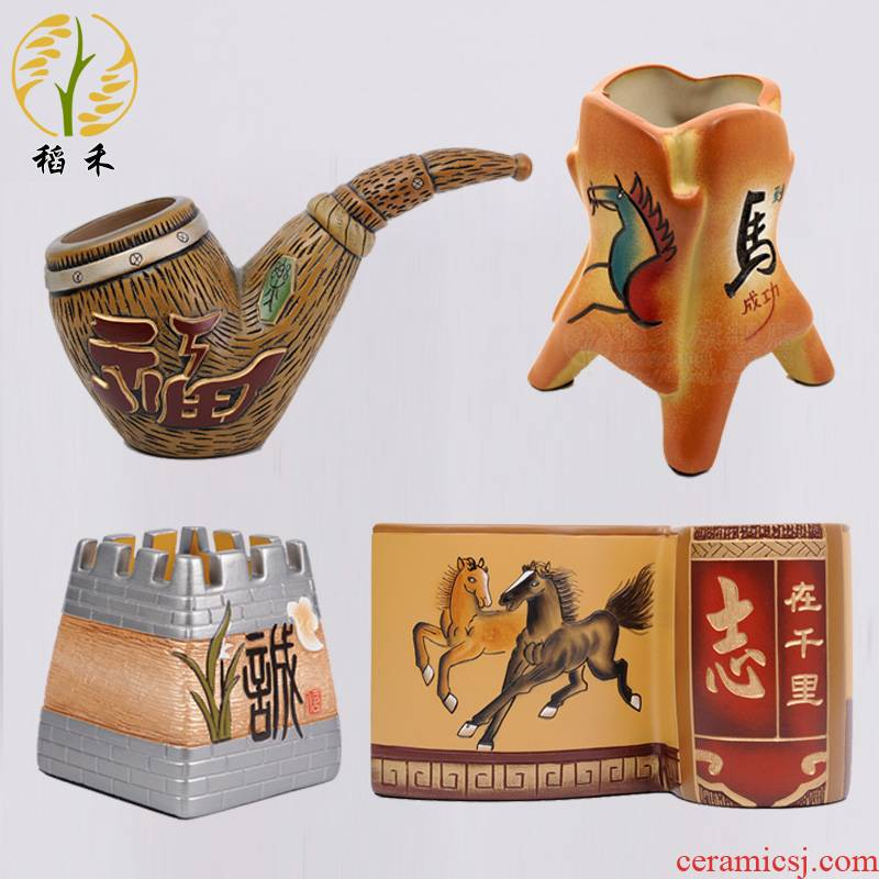 Chinese classical Chinese wind creative ceramic handicrafts pen container office desktop furnishing articles to send head of gifts