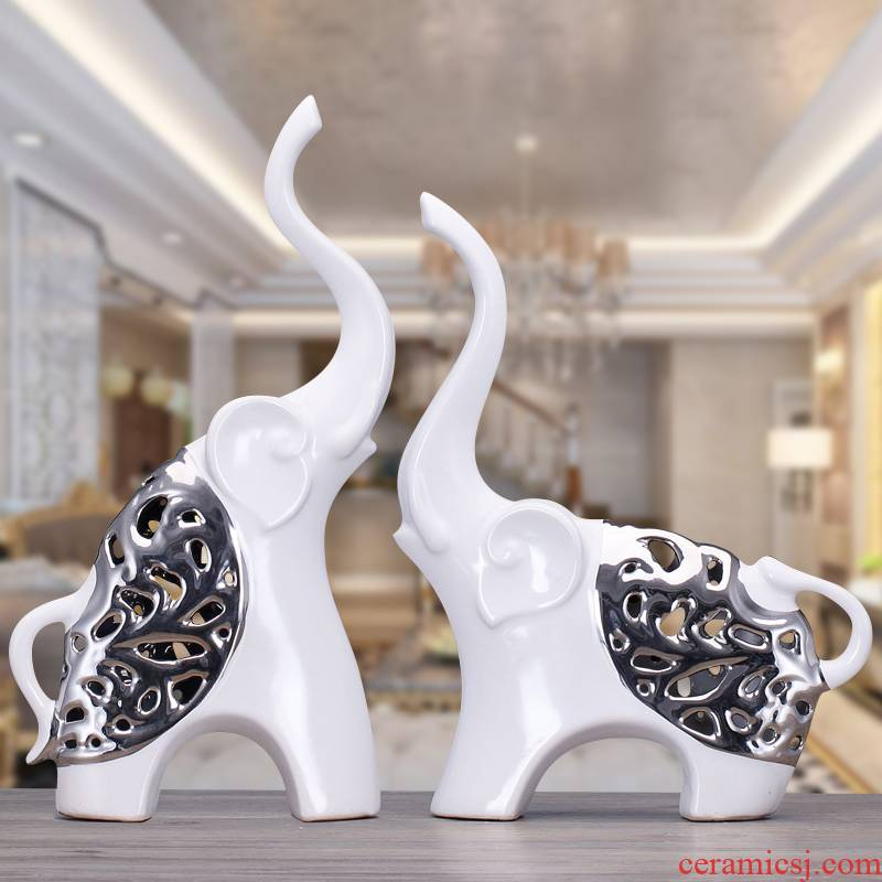 Modern ceramics hollow - out crafts are creative wine sitting room adornment household room TV cabinet decoration move