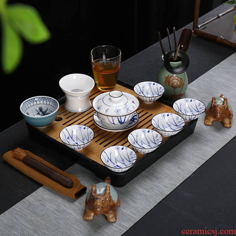 Suet jade porcelain tea set with blue and white porcelain printing ceramic kung fu tea tea cups of a complete set of the teapot