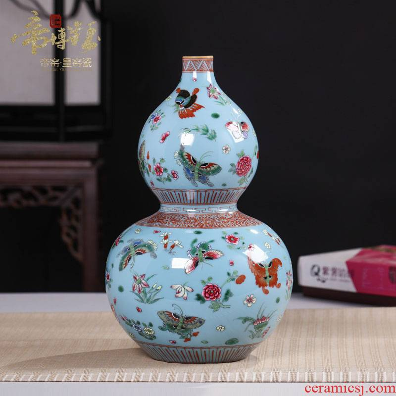 Jingdezhen antique hand - made ceramics vase butterfly famille rose porcelain decoration handicraft furnishing articles in the living room