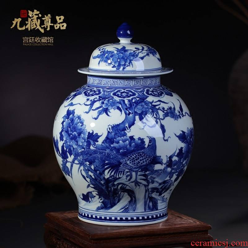 Jingdezhen ceramic vases, antique hand - made general pot cover Chinese blue and white porcelain painting of flowers and birds in the sitting room adornment is placed