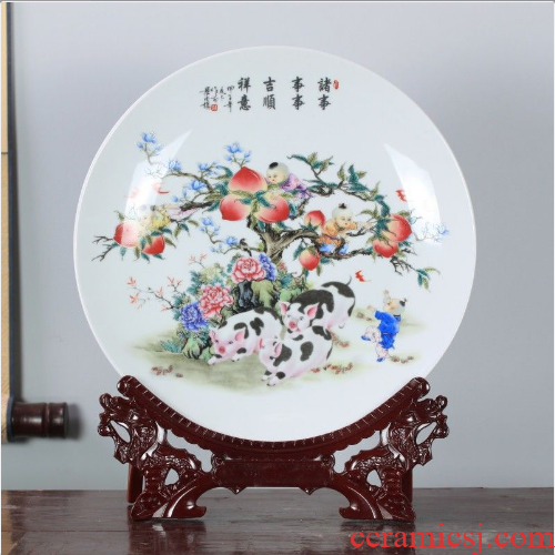 Jingdezhen ceramics hang dish decoration as sit plate I household decorative plate is placed in the background