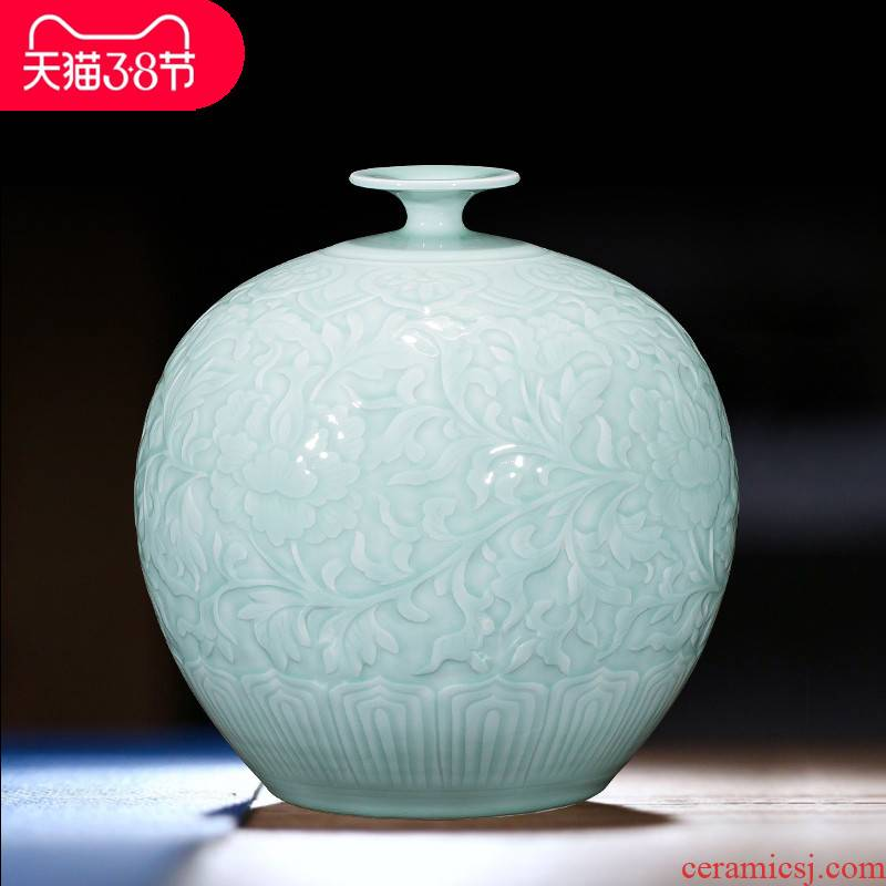 The jingdezhen ceramics by hand throwing carve shadow blue bottles of wine porch home furnishing articles