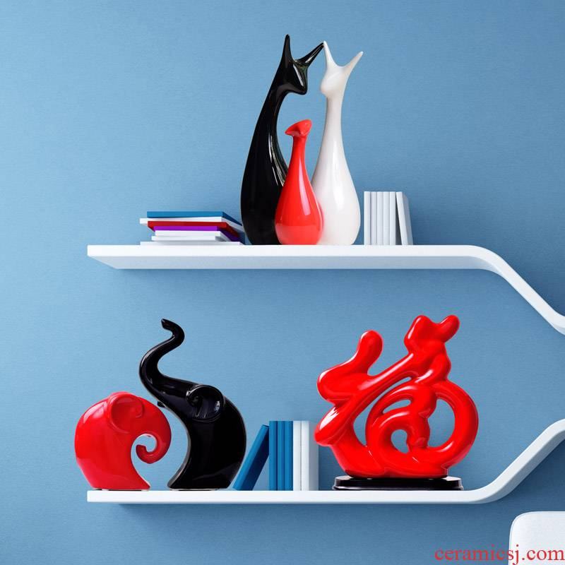 Creative household ceramics couples furnishing articles large animals jewelry ornaments wine sitting room TV cabinet decoration