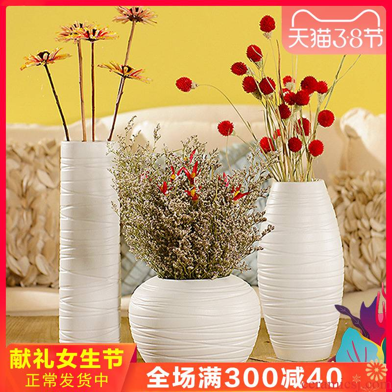 Jingdezhen ceramic table dry flower vase modern creative floral outraged white household act the role ofing is tasted furnishing articles in the living room
