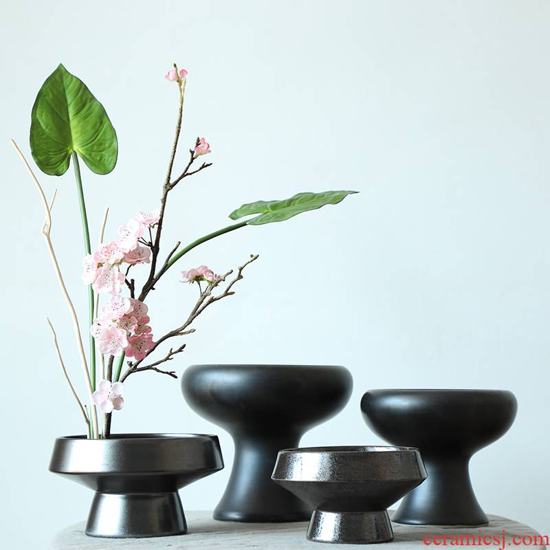 Black ceramic flower arranging disc sword mountain flower arrangement is small the the original Japanese zen liuhua road, creative flowerpot contracted the new Chinese style