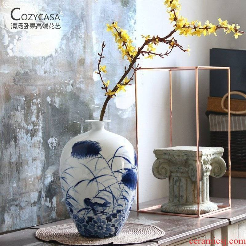 The Clear soup WoGuo new product new Chinese blue and white reed hand - made mei bottle of flower art furnishing articles of jingdezhen ceramics handicraft