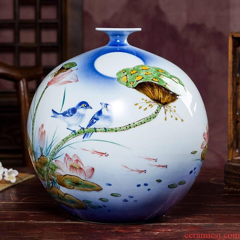 Jingdezhen ceramic pomegranate hand blue and white porcelain bottle of Chinese famous household flower arrangement sitting room adornment handicraft furnishing articles