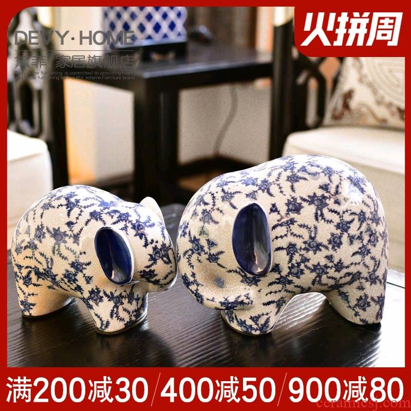 The New Chinese blue and white porcelain objects furnishing articles household act the role ofing is tasted, the sitting room porch TV ark, wine version into gifts