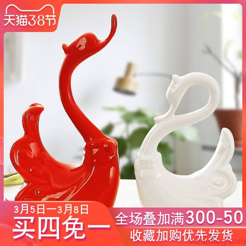 Modern home wine ark, adornment furnishing articles sitting room decoration creative ceramic handicraft room desktop couples swan