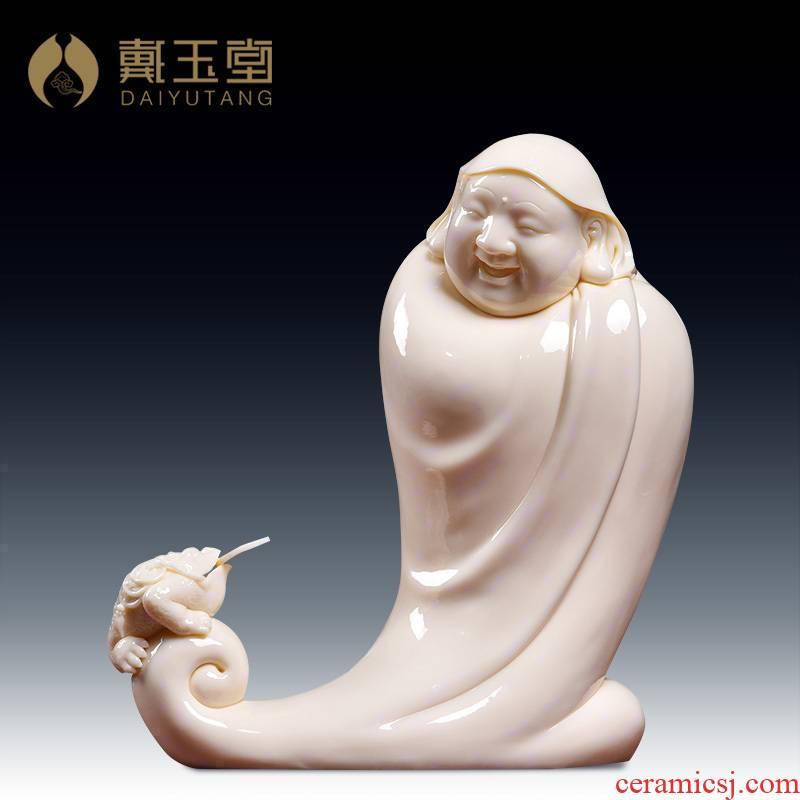 Yutang dai master Lin Jiansheng works at the provincial level study of dehua porcelain carving home furnishing articles f/D03-139