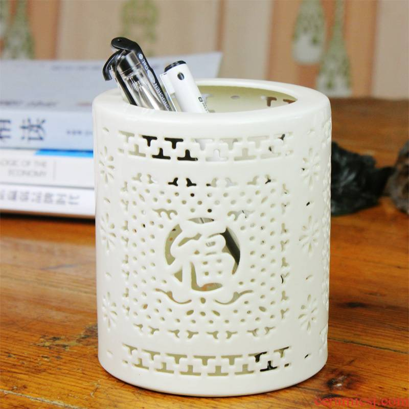 Bt12 jingdezhen merry ceramic hollow out f the engraving pen container creative fashion office supplies furnishing articles