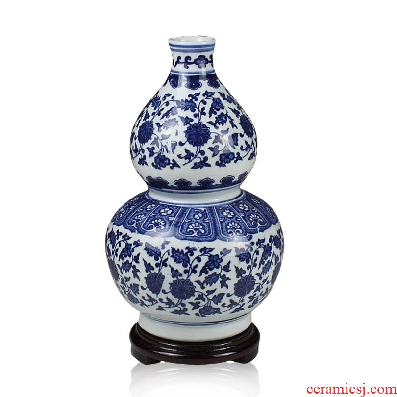 Jingdezhen ceramics with a silver spoon in its ehrs expressions using lotus cane under the glaze color blue and white porcelain bottle gourd classical household furnishings furnishing articles