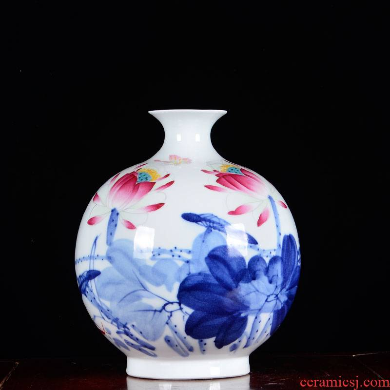 Blue and white porcelain of jingdezhen ceramics famous master hand - made vases, flower arrangement, the new Chinese style sitting room adornment is placed