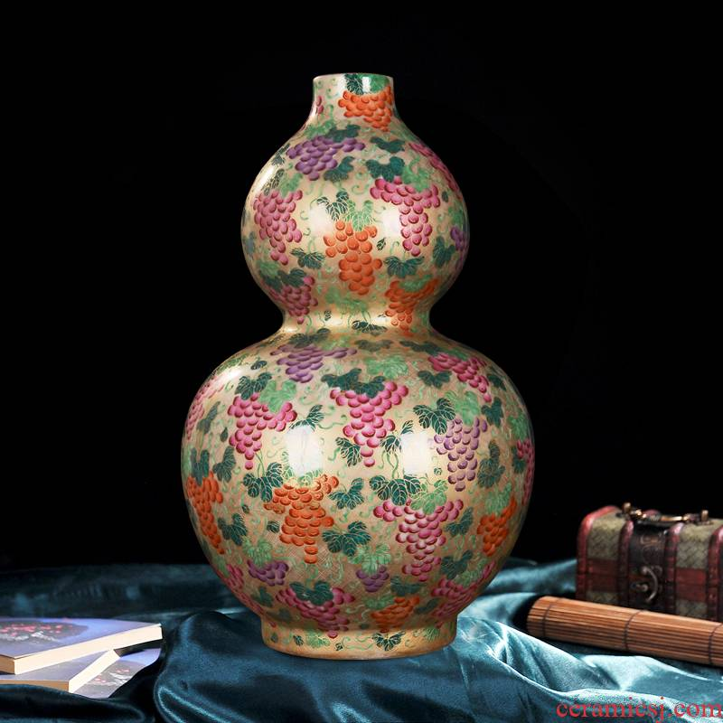Jingdezhen ceramics high - end antique gold grape bottle gourd vases home decoration process sitting room place