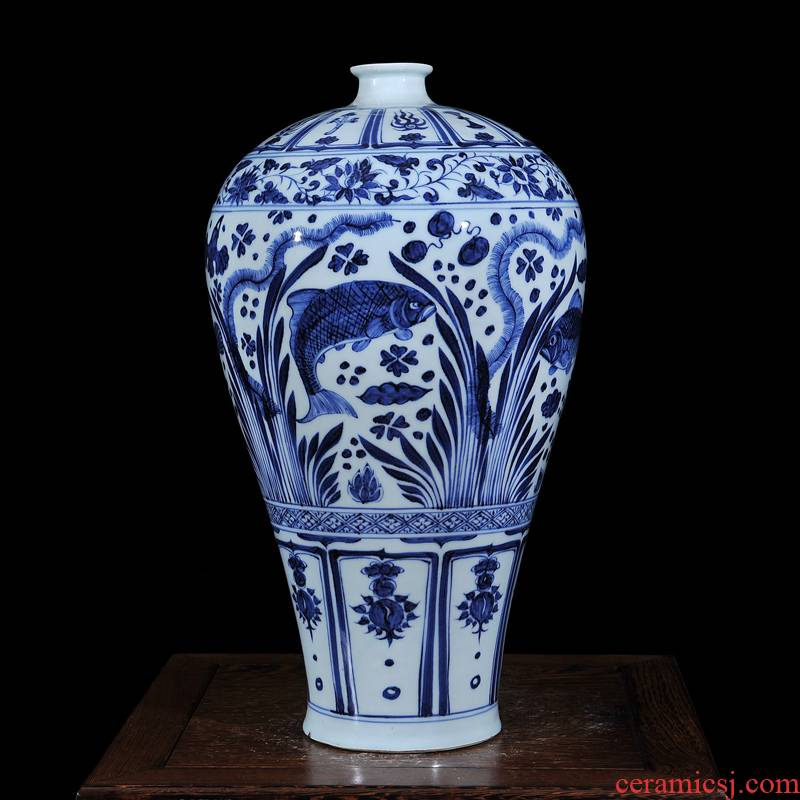 Jingdezhen ceramics copy is eight yuan and Ming blue and white fish and algae edges and grain mei bottles of home sitting room TV ark, fashion furnishing articles