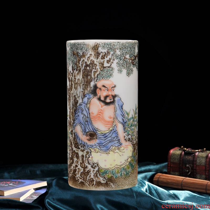 Celebrity famous master hand of jingdezhen ceramics famille rose porcelain vase in front of high - grade crafts