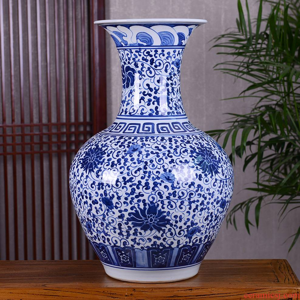 Jingdezhen ceramic vase furnishing articles of Chinese style hand draw archaize of large blue and white porcelain vase large flower decorations
