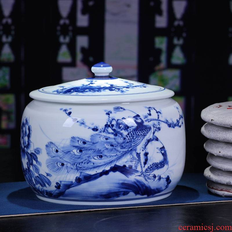 Jingdezhen blue and white porcelain ceramic tea pot storage tank receives puer tea cake box of tea urn jar