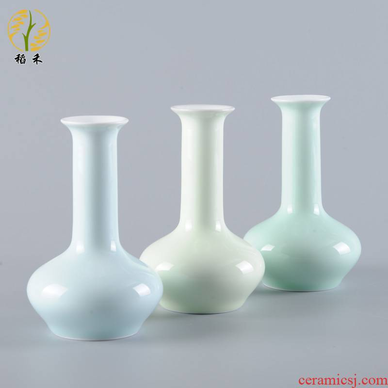 Contracted and pure and fresh and floret bottle inserts ceramic vase small creative porcelain tea table desktop sitting room adornment is placed