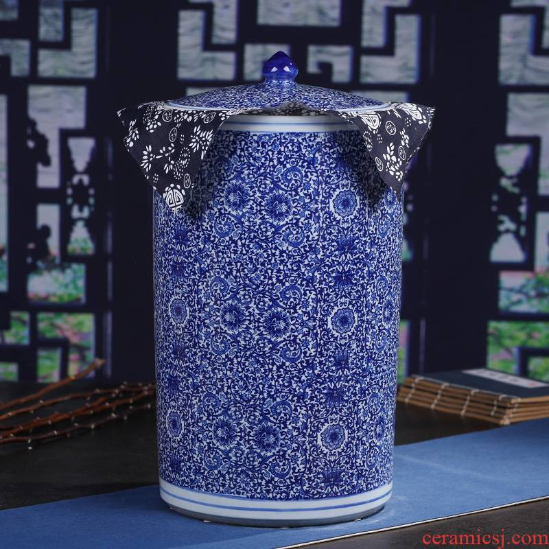 Jingdezhen ceramic bread seven pu 'er tea tin with large sealed container storage of blue and white porcelain jar of restoring ancient ways