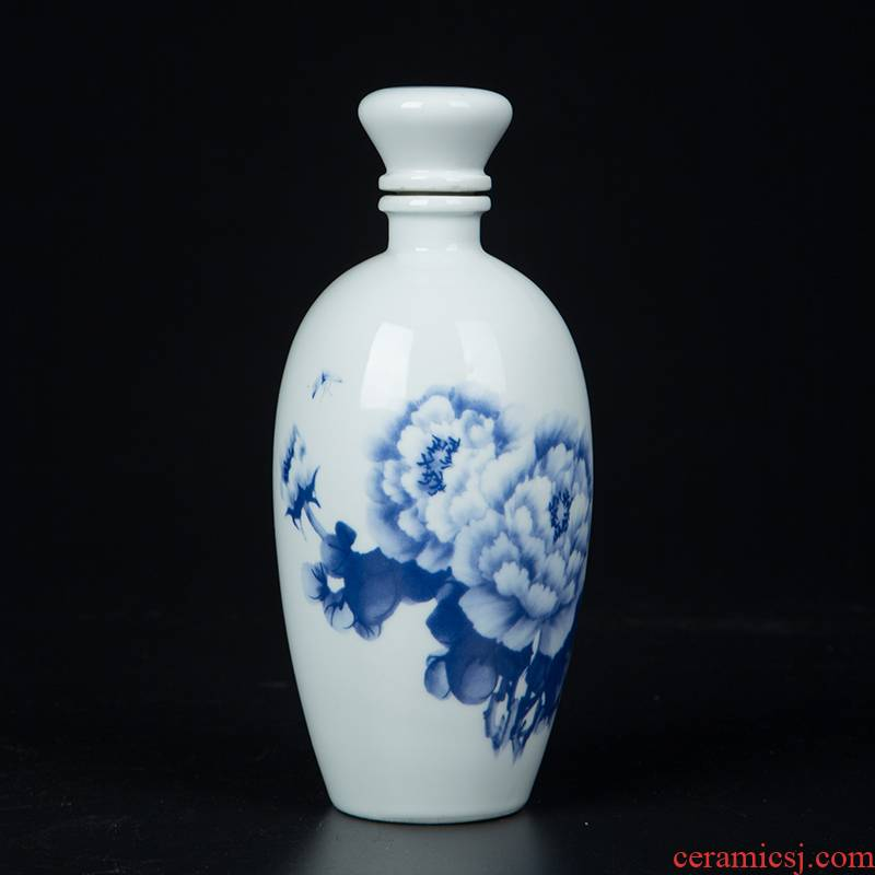 Jingdezhen ceramic jars half jins of a small bottle home antique white wine bottle is empty wine bottle seal Chinese terms bottle