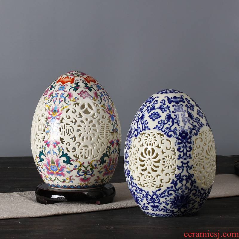 Manual thin tire hollow out classical vase of blue and white porcelain of jingdezhen ceramics sitting room home furnishing articles