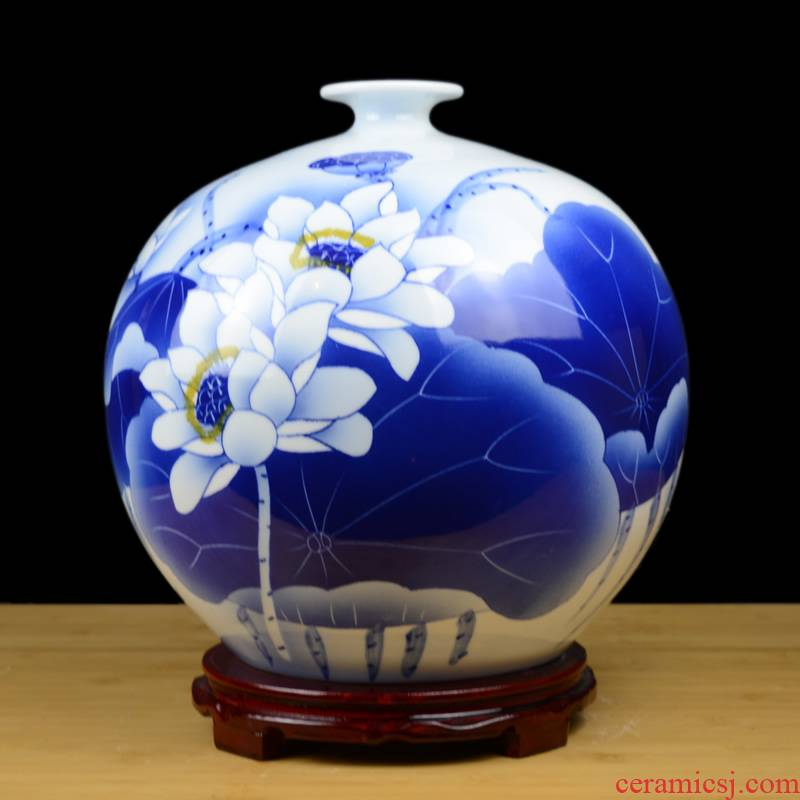 Jingdezhen ceramics hand - made of blue and white porcelain vase in the sitting room TV ark, home decoration crafts porcelain furnishing articles