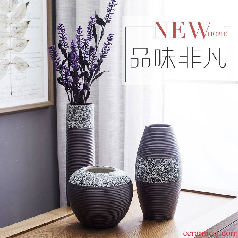 Black and white contracted household living ceramic three - piece vase Chinese ceramic wine cabinet room adornment bedroom furnishing articles