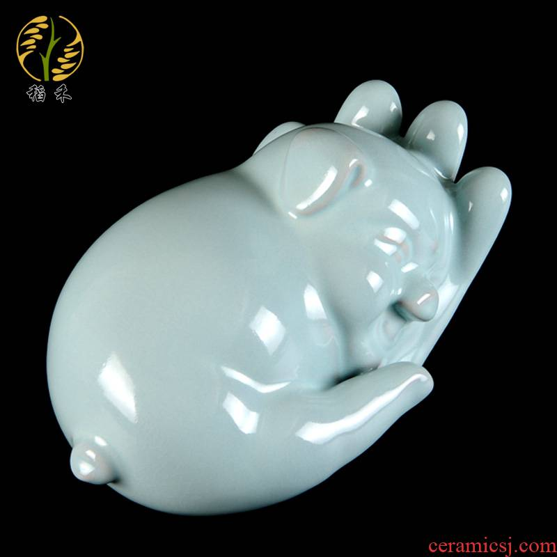 Your up porcelain arts and crafts home decoration ceramic pig simple desktop furnishing articles of Chinese style living room decoration new gift