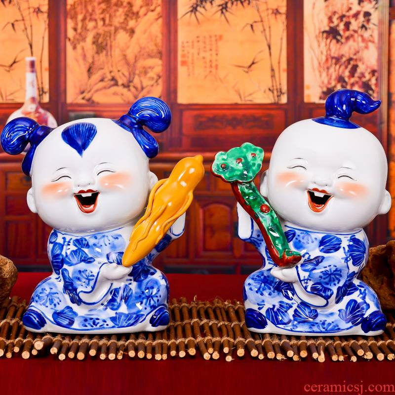 Jingdezhen ceramic handicraft gift gift blue and white porcelain doll sitting room of Chinese style household furnishing articles sz014