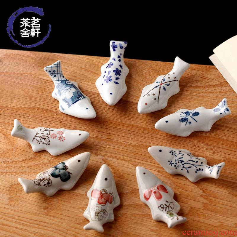 Under the glaze color Japanese ceramic tableware porcelain creative ceramic fish chopsticks pillow rack chopsticks chopsticks
