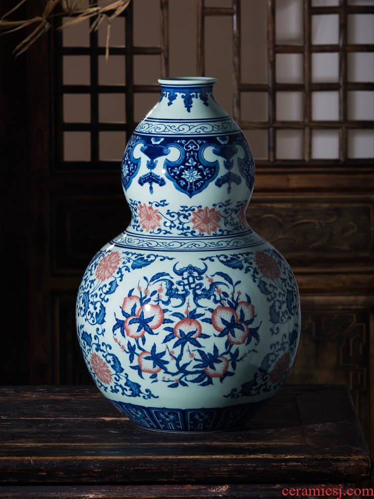 Jingdezhen blue and white ceramic antique vase youligong nine peach gourd bottle of Chinese style porch craft ornaments furnishing articles