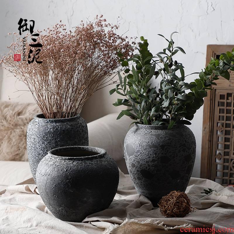 Retro eucalyptus ceramic insert dried flower ceramic vase furnishing articles little sitting room fresh coarse pottery mottled black pottery
