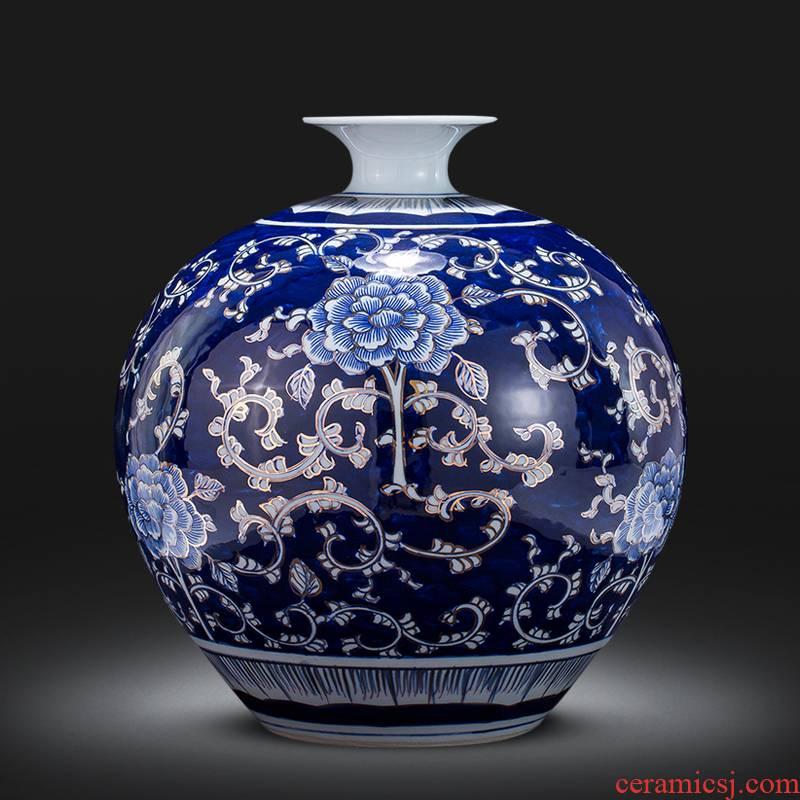 Blue and white porcelain of jingdezhen ceramics hand - made paint pomegranate bottle furnishing articles furnishing articles sitting room of Chinese style household decorations