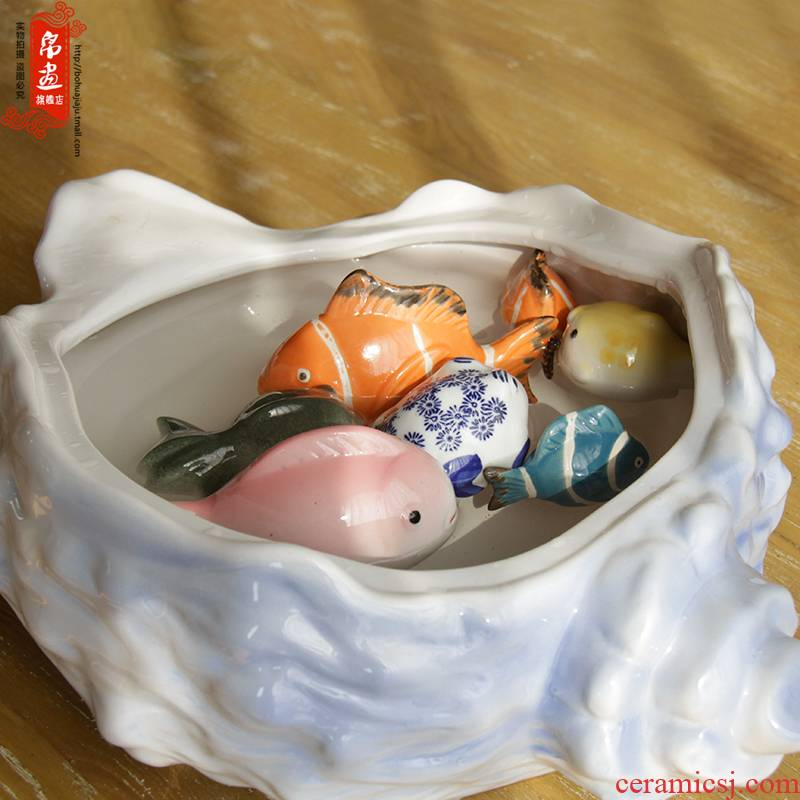 Jingdezhen ceramic small place creative mini toy sitting room adornment household aquarium fish floating children