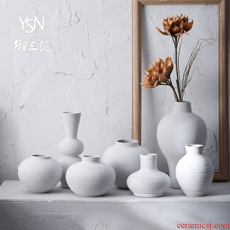 The Northern Japanese ceramic vases, dried flower flower Chinese zen sitting room place small pure and fresh and contracted flower implement restoring ancient ways