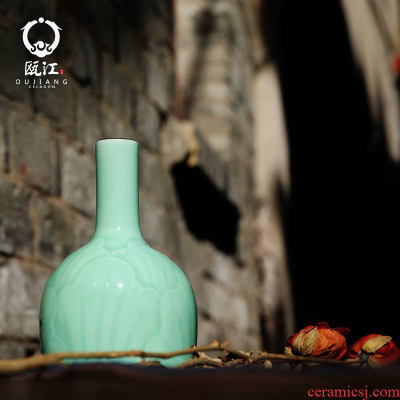 Oujiang longquan celadon vase whirlwind bottle creative ceramic craft flower adornment of the sitting room of Chinese style household furnishing articles