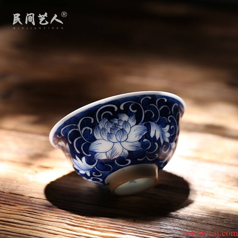 Jingdezhen ceramics small blue and white porcelain teacup kung fu tea masters cup tea cup tea cup by hand
