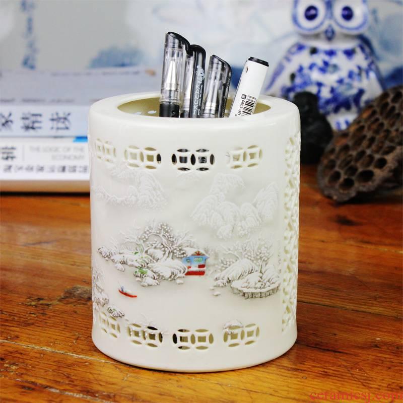 Bt13 jingdezhen ceramics hollow - out snow carving brush pot creative fashion office supplies desktop furnishing articles