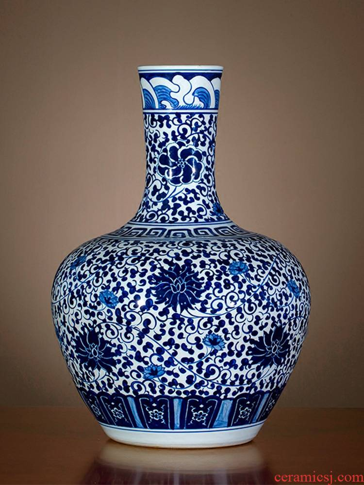 Jingdezhen blue and white porcelain vase antique hand - made ceramics bound branch lotus new Chinese style household rich ancient frame is placed in the living room