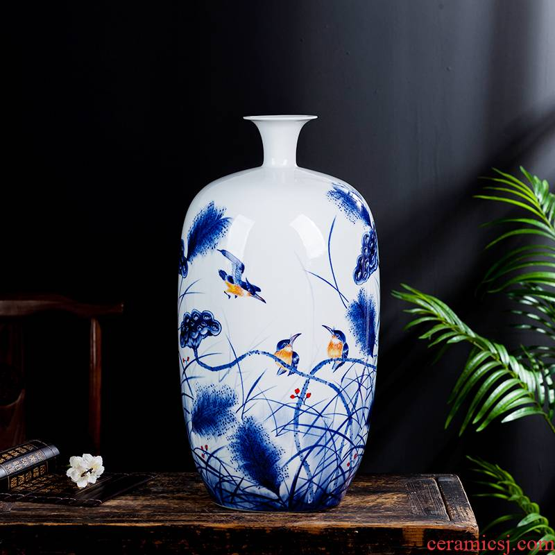 Jingdezhen ceramic masters hand draw blue and white porcelain vase furnishing articles of Chinese style household living room TV cabinet flower decorations