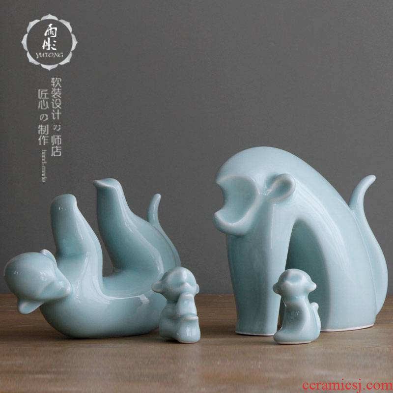 The rain tong home | shadow green craft porcelain of jingdezhen ceramics monkey sitting room ceramic animal ceramic household furnishing articles