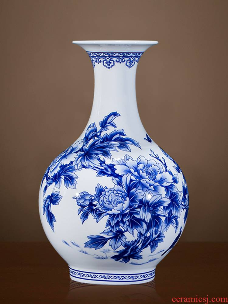 Jingdezhen ceramic thin foetus blue and white porcelain vases, flower arranging Chinese wind furnishing articles sitting room adornment of Chinese style household porcelain