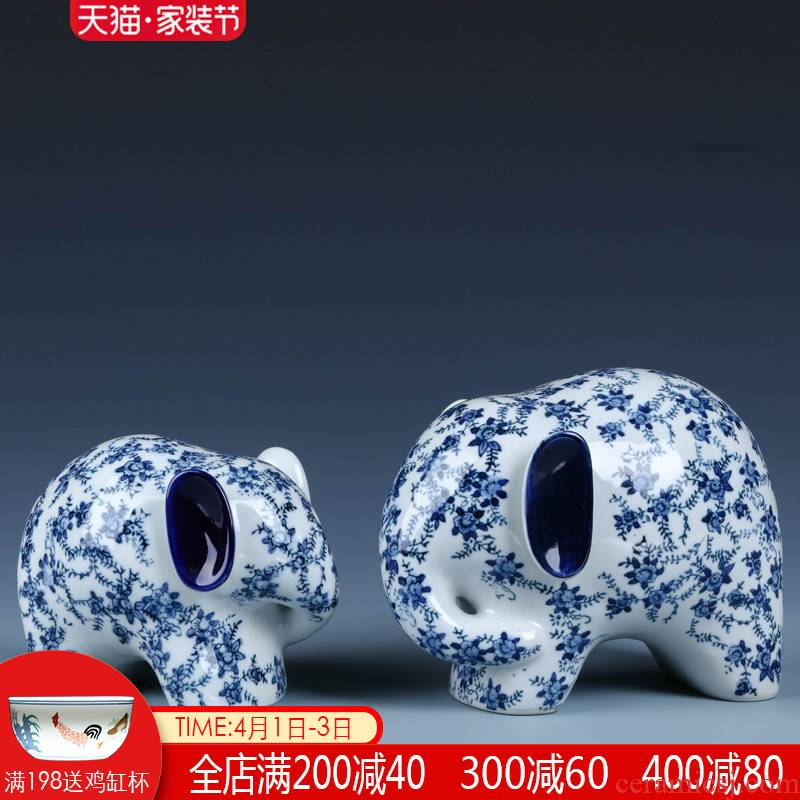 New Chinese style ceramic elephant is placed a pair of jingdezhen porcelain sitting room ark, TV ark, home decoration arts and crafts