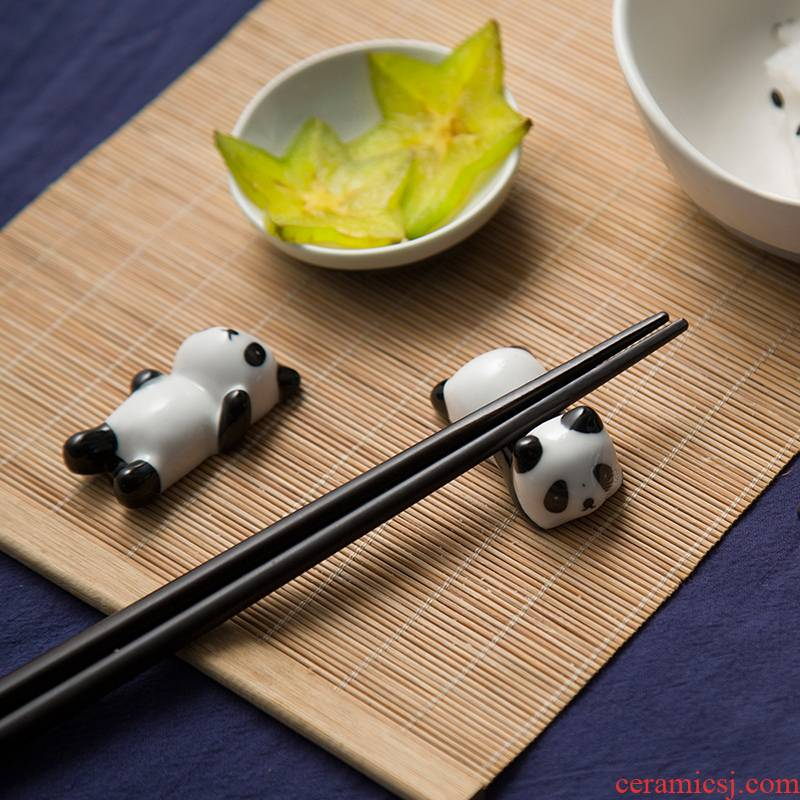 Chopsticks rack put Chopsticks Chopsticks holder, ceramic Chopsticks box creativity of pet panda Chopsticks rack shelf home furnishing articles table in the kitchen