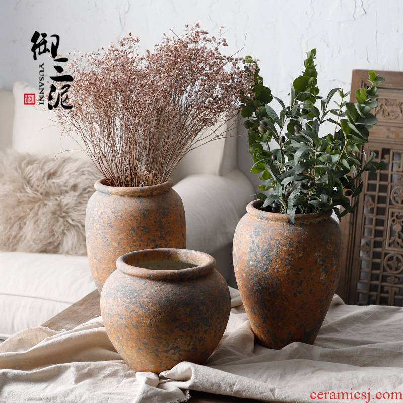 Restore ancient ways do rust bottle ceramic dry flower ceramic flower vase is placed a small sitting room pure and fresh and golden thick clay pottery