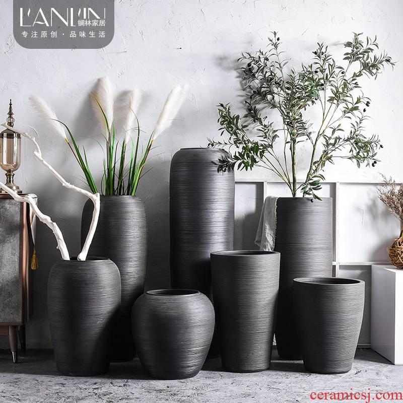Jingdezhen retro ground ceramic vase sitting room adornment is placed dried flower arranging flowers put black large flowers