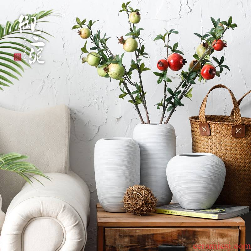 Ceramic dry flower vase Nordic contracted Japanese small and pure and fresh flower arranging living room home stay small zen decorative furnishing articles